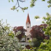 St Zeno Isen im Frühling